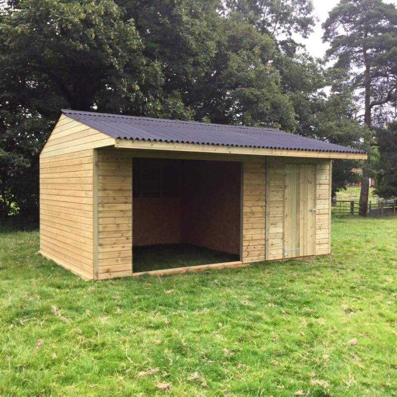 Field Shelters Product : Field shelter with store shiplap timber finer