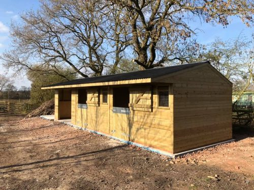 12x36 Stable Block Shiplap Timber with barn/washbox
