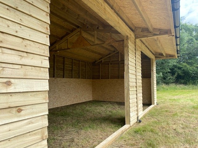 Double field shelter with store